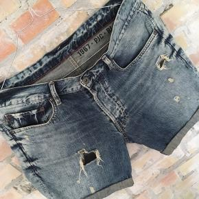RALPH LAUREN denim shorts  - str 32 - 100% bomuld - retro denim shorts - stand 7/10 - nypris 600,-
