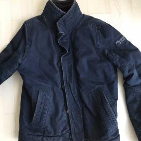 Super fin og varm jakke. Brugt få gange.