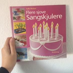 Bog - flere sjove sangskjulere Forfatter: Helle Nielsen Næsten som ny Køber betaler Porto!  >ER ÅBEN FOR BUD<  •Se også mine andre annoncer•  BYTTER IKKE!