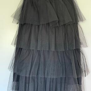 Black colour nederdel