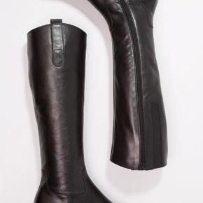 Vanvittigt smukke høje støvler fra Gabor. Sublim komfort. Kun prøvet på. Se info på vedlagte billede.  #30dayssellout