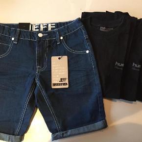 Brand: Jeff og Hummel Varetype: Nye shorts og 3 t-shirts Størrelse: 158 Farve: Se  Nye shorts med mærke str 158  3 Hummel t-shirts, hvor 1 er brugt, 1 er kun vasket og 1 er aldrig brugt. Str. hedder 14 år, men de svarer til 13 år  Sælges for kr 300 samlet  JEG HAR MEGET MERE I SAMME STR.