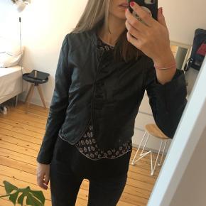 Skind læder jakke fra rützou fitter xs small og lille medium
