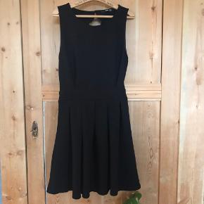 TFNC kjole