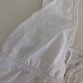 Mega fint nattøj sæt, men toppen kan også bruges som alm. hverdagstøj