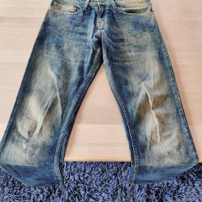 Calvin Klein Jeans, næsten ikke brugt.  Størrelse W33 L34.