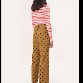 Sælger et par helt nye dots bukser str. xs