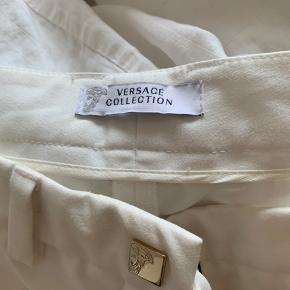 versace collection chinos. købt på et outlet i firenze. passer en str 36-38