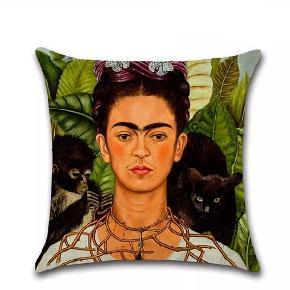 Flotte pudebetræk str 45×45cm i bomuld og flotte farver. Motiv Frida Kahlo. 1 for 99kr. 2 for 160kr.  Fragt 25kr  Mobilepay  @boutique_bohodk