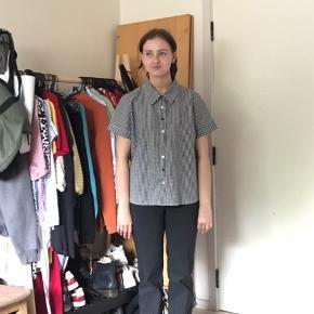 Vintage checker skjorte i god stand :) størrelsen siger EU46 men den passer en M