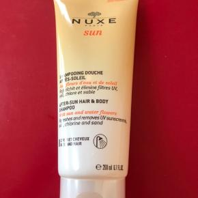 Nuxe helt ny uåbnet shampoo som er god efter håret har været udsat for meget sol. Købt i Frankrig