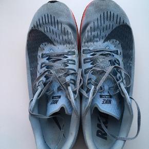 Nike Zoom Fly  Str. 44,5 Løbet ca. 600 km.  God, men brugt