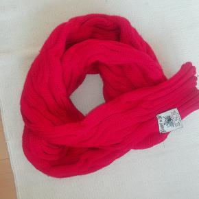 S.N.S. Herning tørklæde