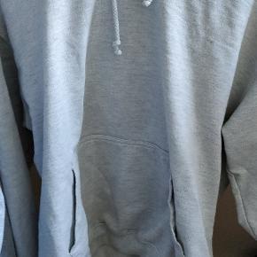 Str M Yeezy worldwide hoodie. Ikke rigtig brugt, da jeg ikke kan passe den.
