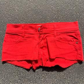 Abercrombie and fitch shorts, dårligt brugt, fejler ingen ting. 75kr stk.  BYD gerne, køber betaler fragt hvis de skal sendes