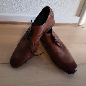 Bugatti sko i str 44 brugt i gang og fejler intet.