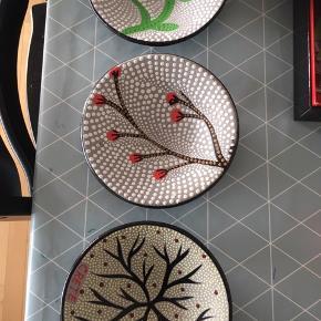 3 fine tallerkner fra Kreta