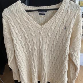 Ralph Lauren sweater, står som ny. Passer en S-L, kommer an på hvor oversize man vil have den 😊