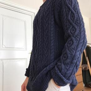 Stor og lækker Ralph Lauren knitwear til salg! Sælges kun da jeg ikke får den brugt nok. Standen er som ny, og den er utroligt lækker! Nypris omkring de 3.000