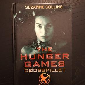 Dødspillet - Suzanne Collins Hunger Games bog 1 Bogen er på dansk  sendes gerne :)
