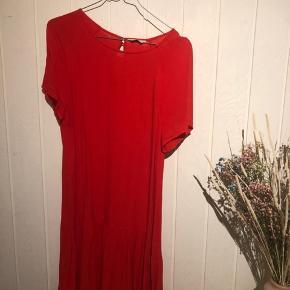 Kjolen blev brugt i en sommer, men den ser ikke brugt ud:)