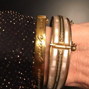 Messing armbånd med perlemor. Vintage Bytter ikke, og pris er fast.  Mobilpay