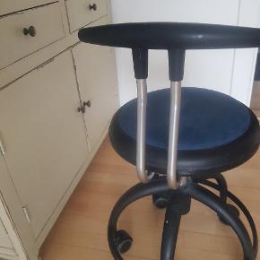 Kontorstol-Ergonomi stol,  god til at sidde i. Ikke brugt meget