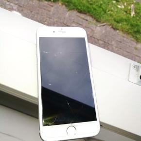 Iphone 6s 16GB Virker umiddelbart præcis som den skal, kan måske godt trænge til at skifte batteri hvis man ønsker den holder i længere tid.  Sælges da jeg køber en anden næste måned. Prisen er ikke fast, vi kan snakke om det - derfor byd