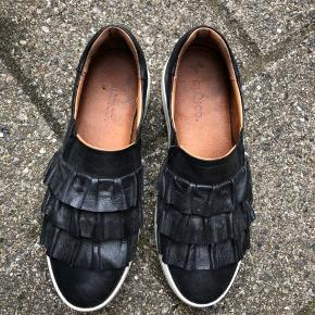Fine Bianco sko i sort. Brugte få gange.