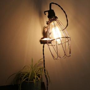 Vintage retro glødepære / filament  Giver hyggelig belysning og flot at se på  40W E27 fatning Kan sendes indpakket i flamingo - Lampen sælges ikke, kun de to pærer