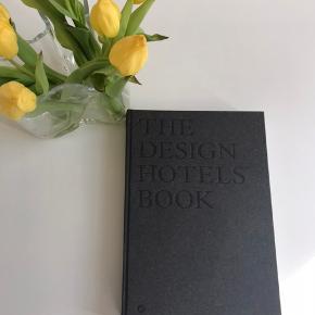 cofee tabel book- Design hotel book, nypris 800,- sælges for 500,-  Afhentes 9520 Skørping eller sendes med dao (plus Porto 45,-)