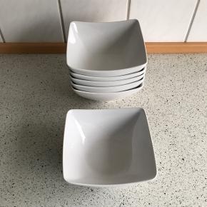 Skåle fra IKEA 6 stk's sælges  Nypris pr stk's 25 kr. Kun 10 kr stykket, sælges kun samlet til 60 kr.
