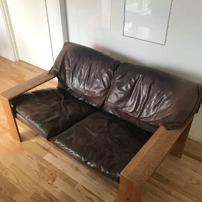 Fed retro sofa samt stol fra Eilersen 1980. Rigtig god stand og godt vedligeholdt.