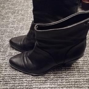 Læder støvler i størrelse 40