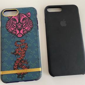 iPhone 8 plus cover. Det ene er mærket richmond and finch og det andet er silikone af Apple i sort. 150 kr pr stk.