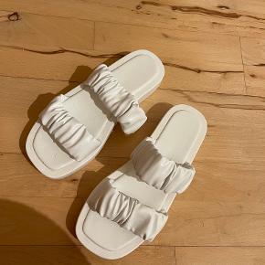 Utopia Clothing sandaler
