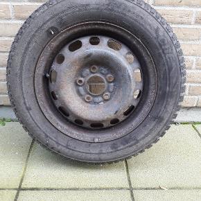 Vinterdæk 195/65/15 Bridgestone  Ca 6 mm tilbage  Siddet på mazda 6 årgang 2006