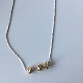 Smuk halskæde fra Pilgrim. Aldrig brugt. Jeg sender gerne.