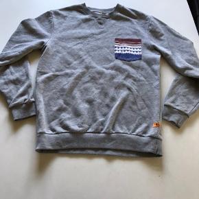 Super flot sweatshirt fra mærket: Flue'd.  BYD:)