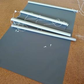 3 stk Mørklægnings rullegardiner, 100x170 cm, grå.  Sælges for ialt 300,-kr. Kan afhentes på min adresse i Herning
