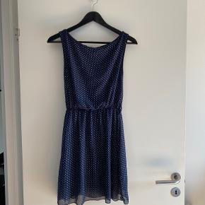 Revolution kjole