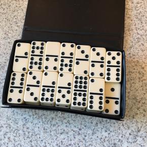 Dominospil