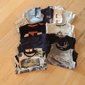 Brand: H&M, Lego, MeToo, Cottonfield Varetype: Bluse, shorts, skjorte, poloshirt Størrelse: 98-104 Farve: Multi  2 t-shirts 1 skjorte 1 poloshirt 1 par shorts 7 bluser  Noget er gmb i den gode ende og noget er nsn