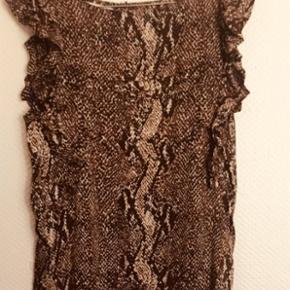 Lækker silke kjole fra BaumGår til under knæ