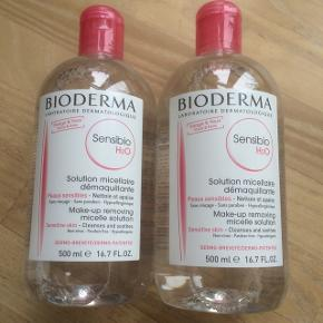 Prisen er for begge flasker:) Helt nye og uåbnede Bioderma makeupfjerner / rensevand. 500 ml i hver. Holdbarhed til januar 2021.  Kan afhentes på Østerbro i København, men jeg sender også gerne.  Skriv gerne på 20835699 ved interesse:) Prisen er fast.