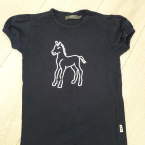 Fast t-shirt mørkeblå str 134