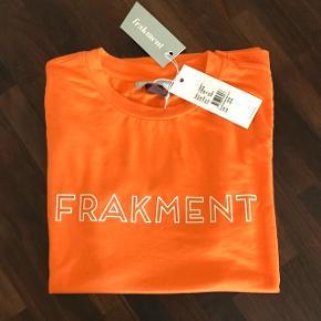 Frakment t-shirt købt i Message. Str. S/M   Nypris 199 kr. Aldrig brugt 😊
