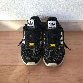 HejSælger de her Adidas zx flux, da jeg ikke for dem brugt nok De er str 42 2/3 Cond 7-10 Mp 200 Bin 400
