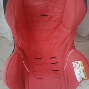 Ferrari autostol, 0-18kg mangler skumgummi under stødet men kan stadigvæk bruges. Kom med et bud.