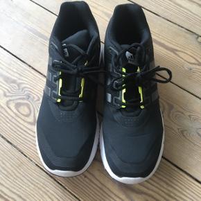 Indedørs sko, brugt max 2 gange